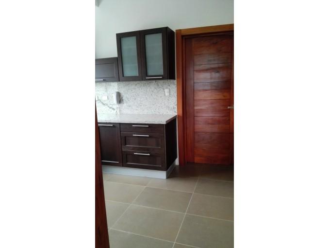Alquilo Aplio apartamento en Naco