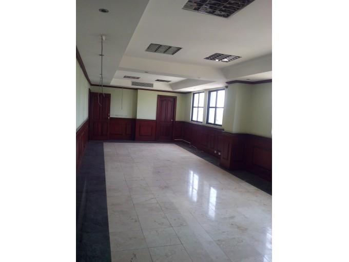 Alquilo local 550 mts ideal para oficinas call center