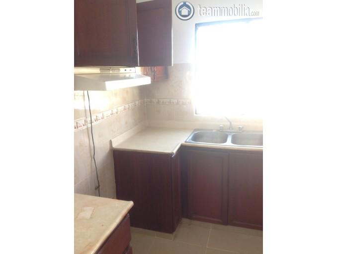 Apartamento en Alquiler en la  Zona Universitaria  Santo Domingo cuenta con 130 mts