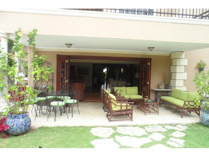 Casa en Venta Arroyo Hondo III Santo Domingo República Dominicana