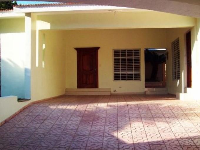 Casa en Venta Lomas de Arroyo Hondo Santo Domingo