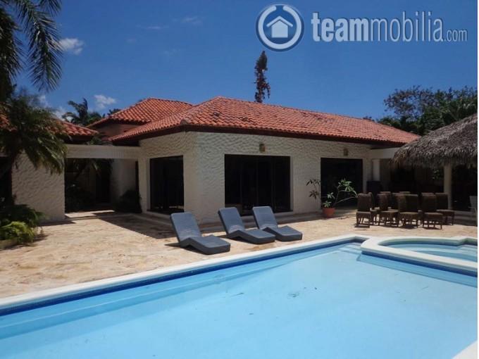 Casa en Venta y Alquiler  Casa de Campo  Romana
