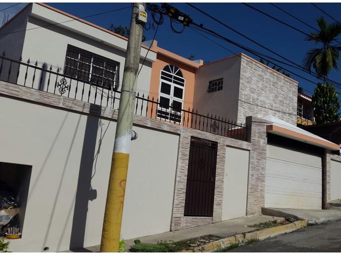 Casa en venta en Arroyo Hondo Viejo