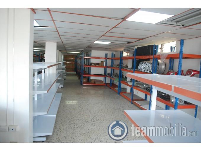 Edificio Comercial en Alquiler Av 27 de Febrero