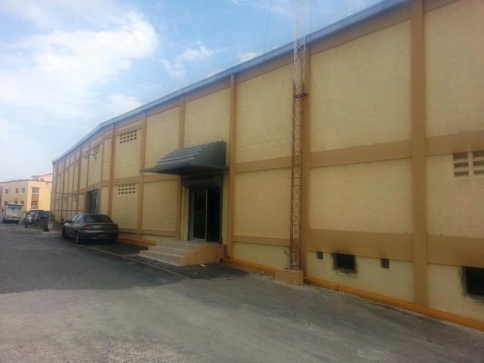 Nave Industrial de 1150 m2 de Alquiler en Las Caobas