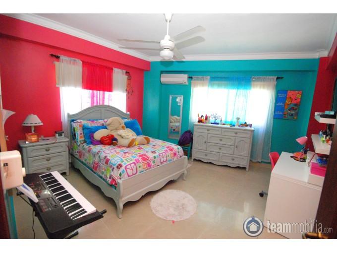 Vendo Apartamento -  Urb Real