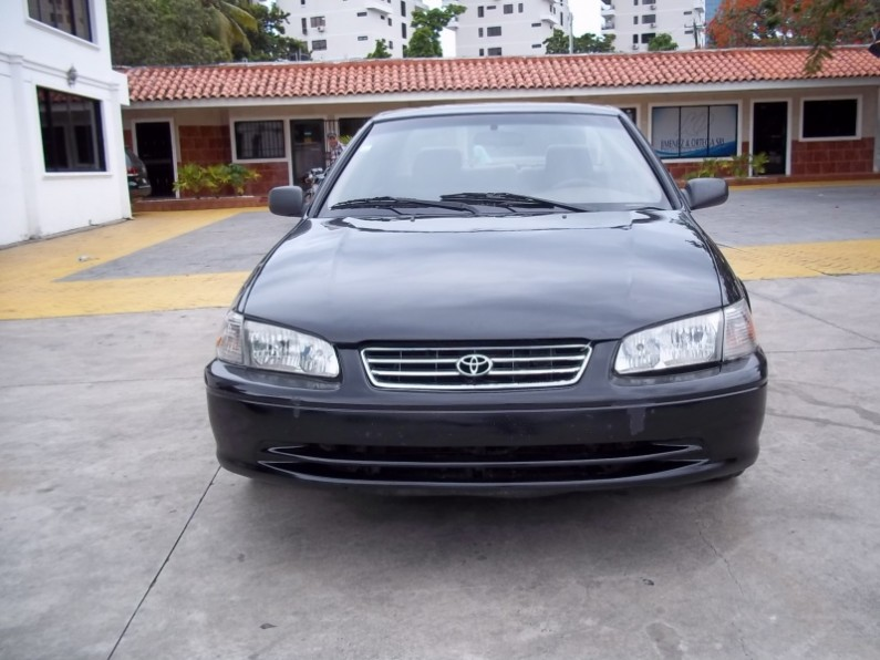 2000 toyota camry le en santo domingo. Black Bedroom Furniture Sets. Home Design Ideas