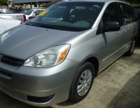 2004 Toyota Sienna LE