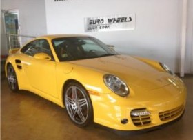 2008 PORSCHE TURBO AMARILLO