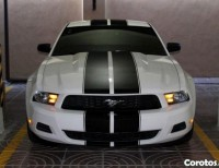 2011 Ford Mustang Premium Package