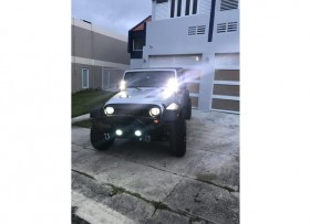 2011 Jeep Wrangler mucho equipo