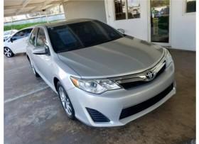 2012 Toyota Camry LE Como Nuevo