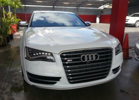 2013 Audi S8 TURBO