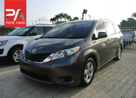2014 Toyota Sienna Charcoal