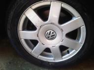 4 Aros de Volkswagen Passat numero 15 Originales de 5 hollos con to y goma