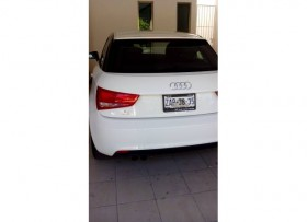 Audi 1 A1 blanco amalfi 2013