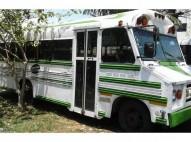 Autobús escolar en excelentes condiciones
