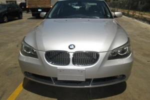 BMW 525i 2006 gris plateado
