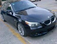BMW 530i 2004 color negro