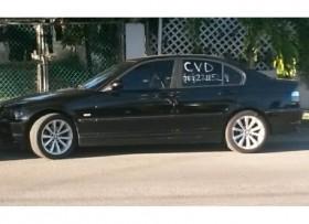 BMW 323i negro del 2000