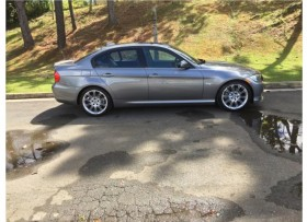 BMW 328I 2011 ME URGE VENDERLO