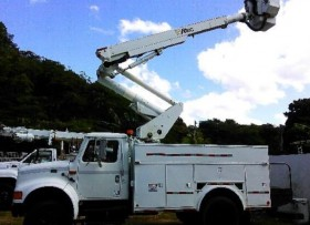 Bucket Truck International 2001