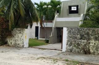 Cómoda Casa En Guayacanes Juan Dolio
