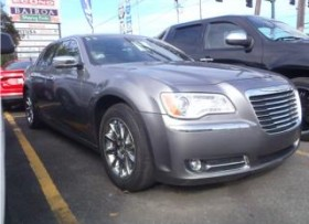 CHRYSLER 300 SEDAN 2011 INMACULADO