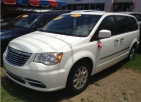 CHRYSLER TOWN &COUNTRY 2011 3 FILAS