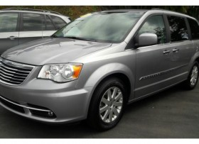 CHRYSLER TOWN &COUNTRY2014