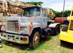 Camión remolque MACK por 4000