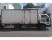 Camión Daihatsu Delta 2000 diesel con furgón