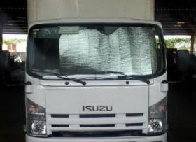 Camión Isuzu NPR 2011 Diesel solo 3 meses de uso