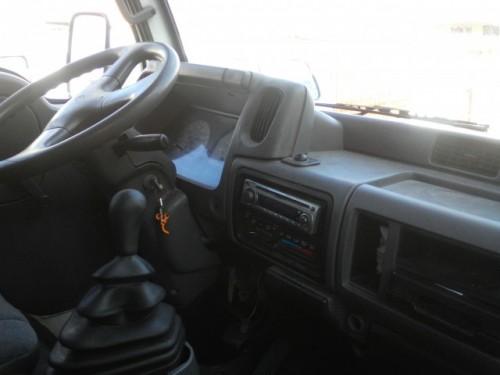 Camion Nissan Cabstar E110