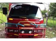Camion daihatsu delta 2000