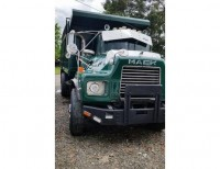 Camion volteo Mack R600