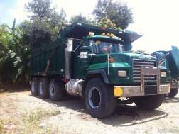 Camion MACK del 2000 Capacidad 18mts