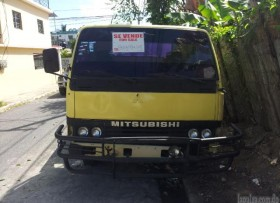 Camion Mitsubishi Canter 1987