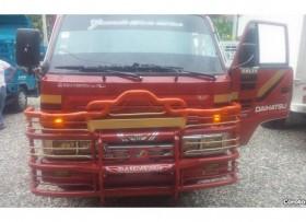Camion daihatsu cama corta 99