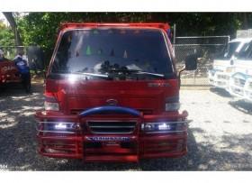 Camion daihatsu delta 2002