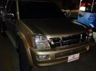 Camioneta Isuzu Dmax 05 full dorada nítida