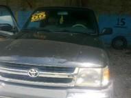 Camioneta Toyota 2000 Tacoma Negra Americana