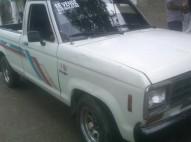 Camioneta ford blanca del 87