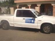 Camioneta mazda 1986 blanca en perfeta condiciones