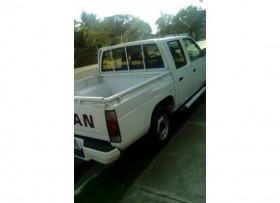 Camioneta Nissan D21 2006