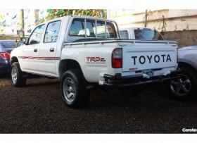 Camioneta Toyota hilux 99