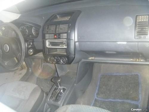 Carro Volswagen Polo 2003