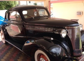 Carro antiguo 1938 chevy coupe
