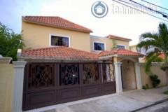 Casa en Venta  Los Pinos  Santo Domingo