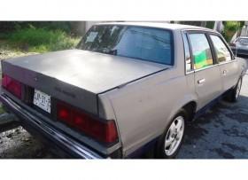 Celebrity 1983 automatico cuatro cilindros rines
